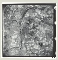 [Parts of Brant, Waterloo, and Wentworth Counties, 1952-04-22] : [Flightline 13371-Photo 9]
